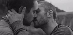 gay-music-blog-gay-men-kiss